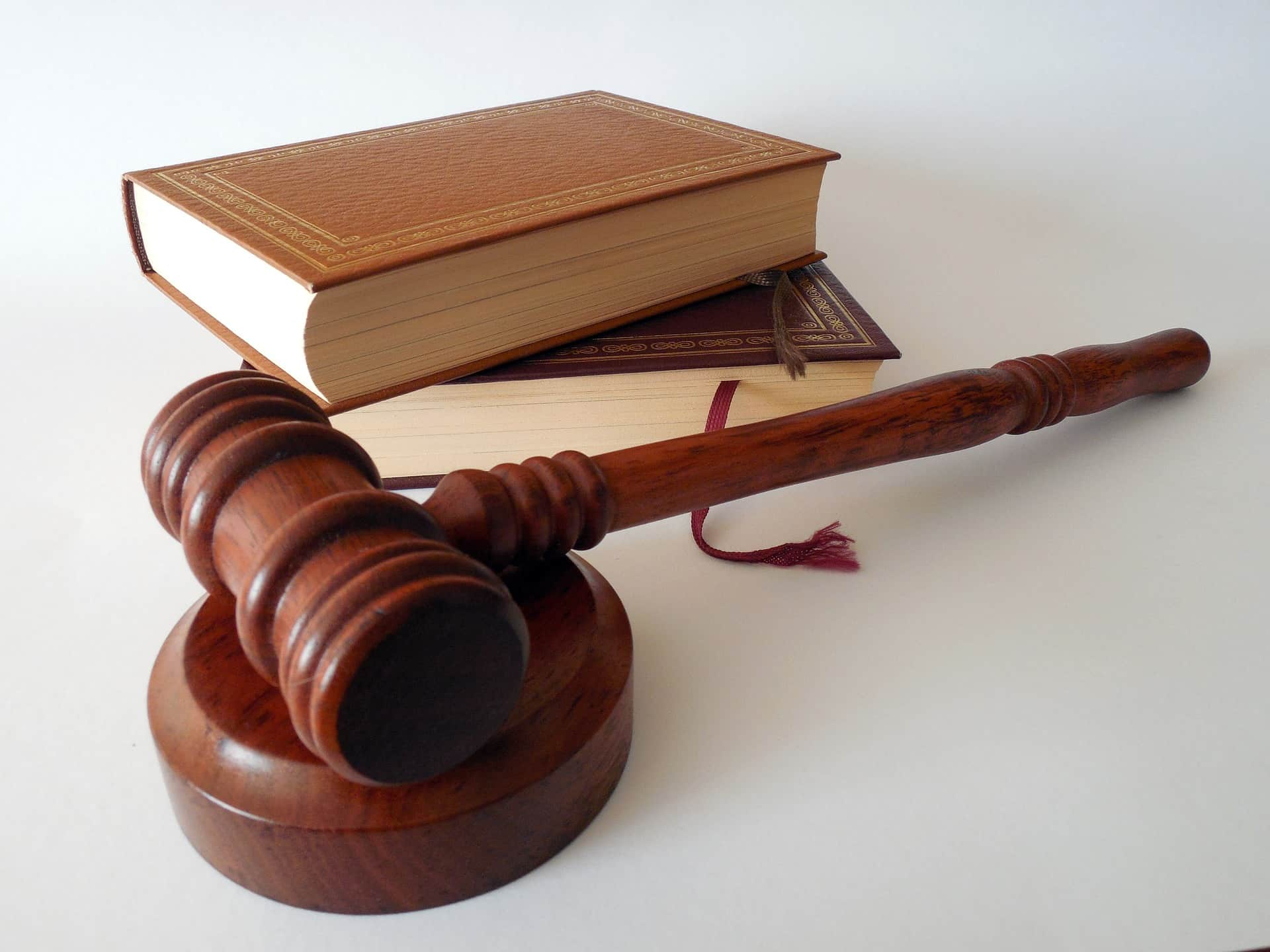 Books, hammer, how legal 500 family law works