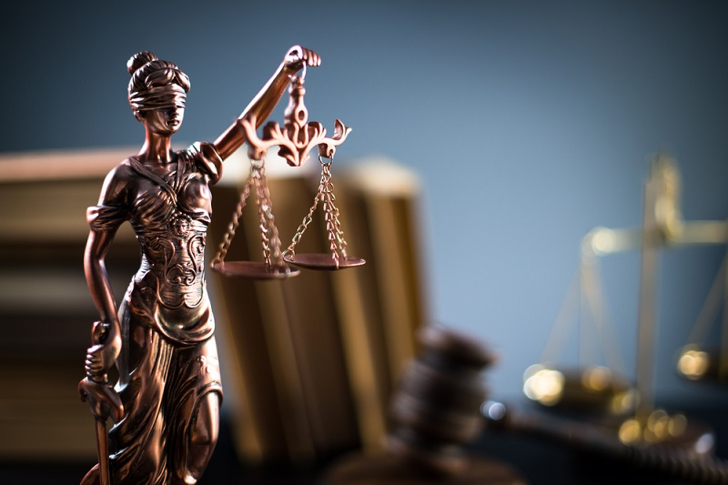 An image of Lady Justice - from a blog on balancing the scales by a divorce lawyers in london
