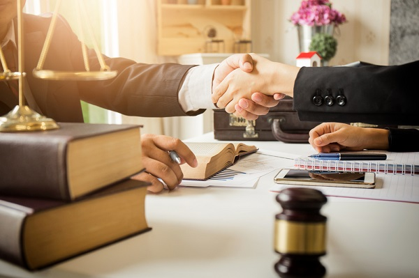 How to Get the Most out of a Divorce Settlement: 4 Expert Tips